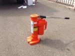 Stěhování trezorů - hydraulický zvedák